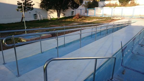 Barandilla piscina municipal Almogía