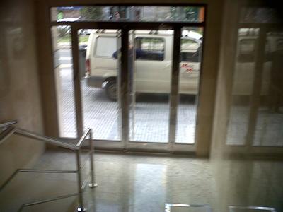 Puerta de Acero Edificio