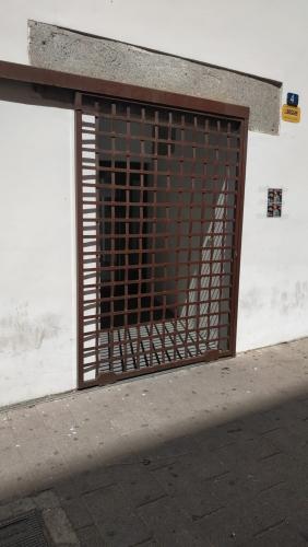 Puertas de seguridad exterior con rejas