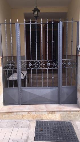 Puertas de paso exteriores en hierro y a
