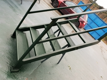 Escalera metalica exterior