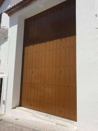Porton metalico exterior cerrado
